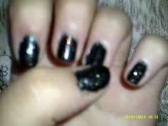 black nails kt13