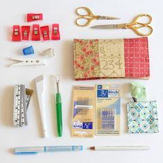 My Favourite Sewing Tools - Do you have a favourite sewing tool? Find out which are my favourite sewing tools that live in the pockets of my sewing machine mat. Sewing Tools, Sewing Hacks, Sewing Tutorials, Sewing Crafts, Sewing Projects, Sewing Kits, Diy Crafts, Sewing Machines Best, Embroidery Tools