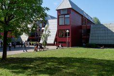 """Lycée de la Plaine de l'Ain - Ambérieu-en-Bugey - Exposition """"Prises de vues points de vue : 25 ans d'architecture publique dans l'Ain"""""""