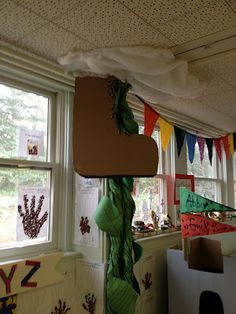 This is the Bean Stalk that is in our classroom. I made it by twisting long pieces of bulletin board paper. I added a giant cardboard bo. Classroom Displays, Classroom Themes, School Displays, Preschool Themes, Classroom Design, Preschool Ideas, Craft Ideas, Fairy Tales Unit, Fairy Tale Theme