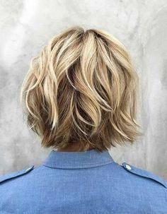 Short Choppy Bobs, Bob Short, Stacked Bob Hairstyles, Layered Bob Hairstyles, Hairstyles Haircuts, Choppy Layers, Choppy Bob For Thick Hair, Medium Choppy Bob, Short Choppy Haircuts