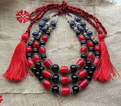 "Coral necklace-red necklace-ukrainian necklace-Black Agate Намисто "" Три кольори"" Корал натуральний Агат чорний лазурит Довжина намиста - 46 см Довжина шнурочка - 50 см #червоненамисто#купитинамисто#длянеї#прикраси#корал#червонікоралі#чорненамисто#подарунок#натуральнекаміння#handmade#necklace#jewelry#coralnecklace#rednecklace#gemstone#украшения#forwomen#beauty#women'sjewelry#"