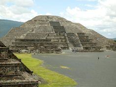 Pyramid of the Moon at Teotihuacan  (click here to open a new window with this photo in computer wallpaper format)