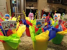 These were my center pieces for the Pocoyo party! :)