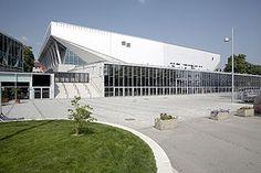 Wiener Stadthalle Die Wiener Stadthalle im 15. Wiener Gemeindebezirk Rudolfsheim-Fünfhaus ist das größte Veranstaltungszentrum Österreichs. Sie ist einer der drei größten Veranstaltungskomplexe und…