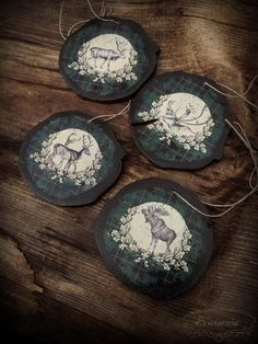 Set of 4 wooden ornaments or coasters Wooden Ornaments, Wood Home Decor, House In The Woods, Coasters, Decorative Plates