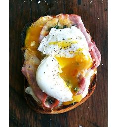 A croque Monsieur with an egg on top is called a croque Madame. The egg is her hat. (croque monsieur / alexandra cooks) A croque Monsieur with an egg on top is called a croque Madame. The egg is her hat. Egg Recipes, Brunch Recipes, Breakfast Recipes, Cooking Recipes, Pancake Recipes, Crepe Recipes, Breakfast Sandwiches, Waffle Recipes, Breakfast Ideas
