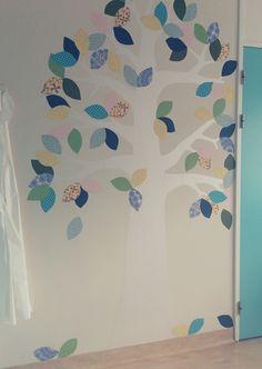 INKE behangboom 2, Langeland Ziekenhuis / verloskamer  #behangboom #wallpapertree #tapetenbaum (inkel.nl)