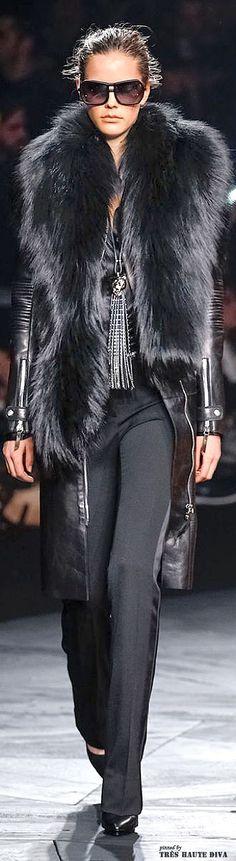 Fur Fashion, Runway Fashion, High Fashion, Womens Fashion, Fashion Trends, Dress Fashion, Trendy Fashion, Street Looks, Street Style