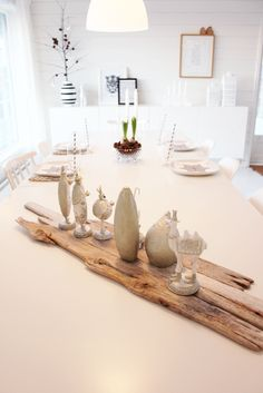 Hos Marte: Borddekking Dining Area, Table Settings, Table Decorations, Furniture, Etiquette, Home Decor, Party Ideas, Science, Natural
