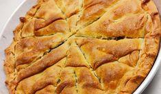 Η καλύτερη συνταγή για σπανακοτυρόπιτα με τραγανό φύλλο Apple Pie, Feta, Desserts, Tailgate Desserts, Deserts, Postres, Dessert, Apple Pie Cake, Plated Desserts