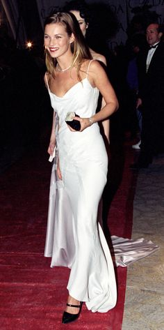 HBD Kate Moss! Pay homage to the queen by channeling her most iconic looks: http://rzoe.co/kate-40 #katemoss