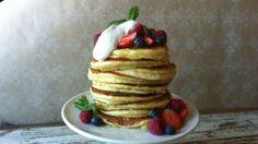 Amerikanske pannekaker - Lise Finckenhagen NRK mat American Pancakes, Crepe Cake, Mille Crepe, Crepes, Food And Drink, Tasty, Sweets, Cookies, Baking