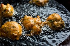 Close up view of tempura herb fritters frying in oil - Buy this stock photo and explore similar images at Adobe Stock Vegetable Side Dishes, Vegetable Recipes, Pan Cooked Chicken, Lemon Garlic Chicken, C'est Bon, Fritters, Fennel, Fresh Herbs, The Help