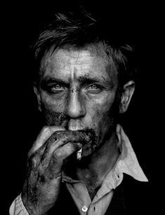 Daniel Craig by ??
