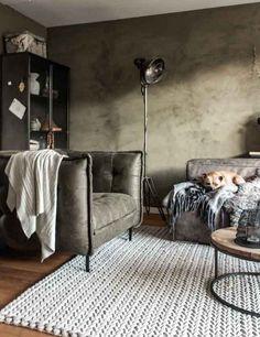 Woonkamer schilderen met groene betonlook Room Wall Colors, Upholstered Ottoman, Design Blog, Home Living Room, Vintage Decor, Home Projects, Decoration, New Homes, House Design
