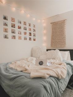 Cute Bedroom Decor, Bedroom Decor For Teen Girls, Cute Bedroom Ideas, Room Ideas Bedroom, Teen Room Decor, Small Room Bedroom, Bedroom Inspo, Bedroom Inspiration, Bedroom Furniture
