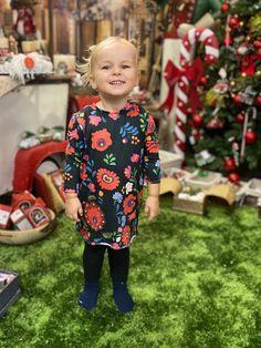 A DressByRitual népszerű mintája már apróságoknak is elérhető! Öltözzetek össze a kislányoddal! #nőiruha #nőiruhawebáruház #nagyméretűnőiruhák #alkalmiruhákonline #nőitunikawebáruház #nőitunika #nőifelsők #miragefashion #dressbyritual #medoo Christmas Sweaters, Marvel, Vintage, Style, Fashion, Swag, Moda, Fashion Styles, Christmas Jumper Dress