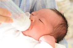 産まれたての赤ちゃん・授乳