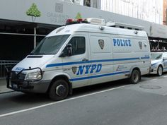 Police Truck, Police Cars, New York Police, Emergency Vehicles, My Photos, Tube, Van, Twitter, City