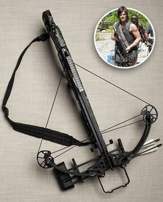 The Walking Dead Accessory/Acessórios | DARYL'S CROSSBOW | A Besta de Daryl | Fonte: Entertainment Weekly