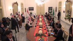 Kalau kata anak muda, Presiden Joko Widodo (Jokowi) dan Raja Salman kekinian banget! Kenapa? Tonton aksi mereka berdua nge-Vlog saat makan siang bareng di sini:  http://detik.id/6Qhqr2  Mau lihat konten video menarik lainnya? Follow akun Facebook 20detik ya!