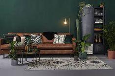Dark Green Living Room, Boho Living Room, Green Rooms, Living Room Interior, Home Decor Bedroom, Indian Room Decor, Botanical Interior, Green Painted Walls, Green Wall Decor