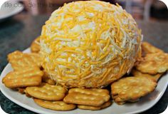 Super easy cheese ball recipe with only 5 ingredients! Cream cheese, flakes of ham, onion, cheese and worcestershire sauce. A holiday party favourite!