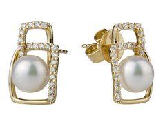 Aretes en oro amarillo de 18 kilates con perlas cultivadas y diamantes incoloros. // 18K yellow gold earrings with cultivated pearls and diamonds