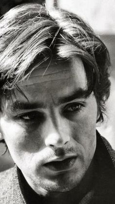 Alain Delon~best looking man in film Hollywood Actor, Classic Hollywood, Old Hollywood, Anouchka Delon, Isabelle Adjani, Violet Eyes, Romy Schneider, Dean Martin, Handsome Actors
