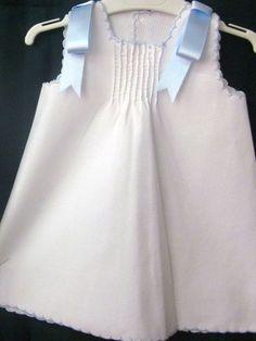 un vestido de bebe muy chulo