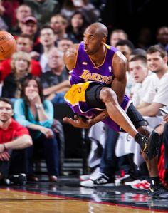 Kobe Bryant Debuts the Kobe 8 Elite on Court