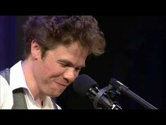 """Josh Ritter performs """"Moon River""""-really beautiful tribute"""