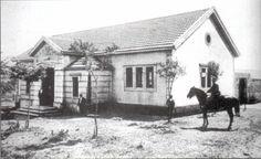 Matadero Municipal en A Cristina #carballo #acoruña #fotoantigua #fotohistorica Cabin, House Styles, Outdoor, Home Decor, Old Photography, Fotografia, Pictures, Outdoors, Decoration Home