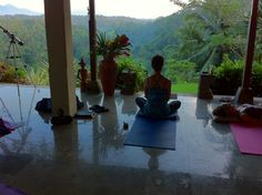 Best way to do yoga - morning rising in Bali