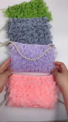 Diy Crafts Knitting, Crochet Crafts, Crochet Projects, Crochet Bag Tutorials, Crochet Videos, Crochet Handbags, Crochet Purses, Knitting Patterns, Crochet Patterns