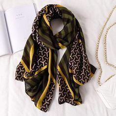 Summer Scarves, Warm Scarves, Cotton Scarf, Fashion Prints, Style Fashion, Curvy Fashion, Women Brands, Scarf Styles, Womens Scarves