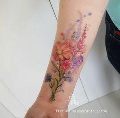 Colorful floral bouquet by Jess Hannigan – Tattoos Trends Line Art Tattoos, Body Art Tattoos, New Tattoos, Sleeve Tattoos, Tatoos, Tattoo Bunt, 1 Tattoo, Piercing Tattoo, Wrist Tattoo