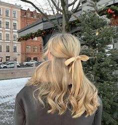 Hair Day, New Hair, Pretty Hairstyles, Easy Hairstyles, Hair Inspo, Hair Inspiration, Medium Hair Styles, Curly Hair Styles, Dye My Hair