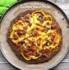 This unique low carb zucchini crust pizza has a quiche-like crust, and it is gluten-free too! Even with simple toppings (e. bell pepper, olive), it is still delicious and is a great cho… Crust Pizza, Atkins Diet, Low Carb Diet, Healthy Alternatives, Pizza Recipes, Squash, Healthy Life, Zucchini, Brunch