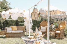 Oct 2019 - We're so in love with this sunshine meets citrus baby shower. The chic boho details paired with bright orange hues gave us all the heart eyes. Picnic Baby Showers, Backyard Baby Showers, Outside Baby Showers, Baby Shower Parties, Baby Shower Decorations For Boys, Baby Shower Themes, Baby Shower Boho, Photo Booth Backdrop, Deco Table