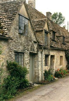 Bibury, Gloucestershire, stone cottages