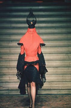 Givenchy by Alexander Mcqueen, Fall/Winter 1997 Haute Couture Mcqueen 3, Mcq Alexander Mcqueen, Costume Design, Couture Fashion, Outfit, High Fashion, Fashion Photography, Style Inspiration, Fashion Design