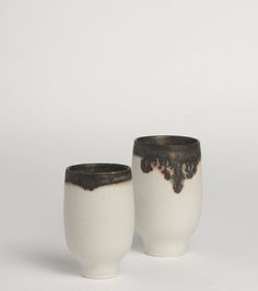 s-c-r-a-p-b-o-o-k: Yasuko Ozeki Can we all just agree that the fuming on the lip of these cups is too beautiful for words? Pottery Workshop, Pottery Studio, Japanese Ceramics, Japanese Pottery, Ceramic Bowls, Ceramic Pottery, Slab Pottery, Pottery Vase, Wabi Sabi