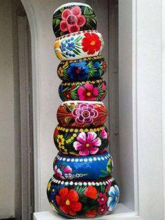 Macetas mexicanas pintadas a mano.