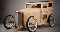 Wooden '32 Ford hot rod