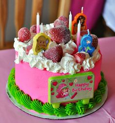 Strawberry Shortcake Cake Baskin Robbins Cakes, Strawberry Shortcake Ice Cream, Cake Designs, Amazing Cakes, Cupcake Cakes, Cupcakes, Food To Make, Cake Decorating, Birthdays