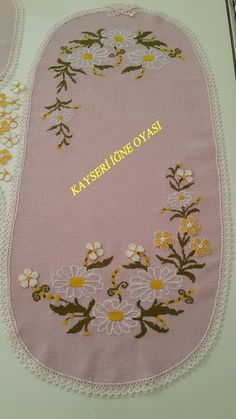 Hand Embroidery Stitches, Hand Stitching, Embroidery Patterns, Cross Stitch Heart, Cross Stitch Flowers, Doilies, Bargello, Diy And Crafts, Tapestry