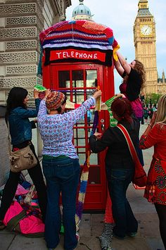 Knit The City making the phone box