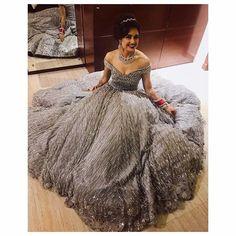 @princenarula here comes your bride ❤️🤩 @yuvikachaudhary 😘😘❤️ Photography by- @deepikasdeepclicks 😇
